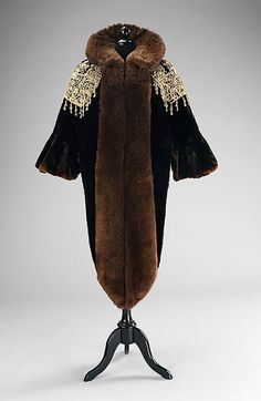 Evening Mantle Made Of Fur And Linen, Made By Charles Fredrick Worth, The House Of Worth - France      c.1887   -   The Metropolitan Museum of Art