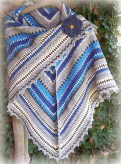 Triangle Shawl:   Forever in Blue Jeans Tutorial ~Teresa Restegui~