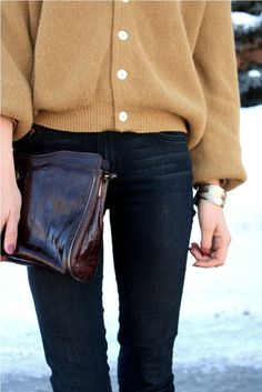 . fashion, camel, bag, sweater weather, outfit, clutch, fall sweaters, cozy sweaters, oversized sweaters