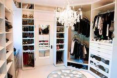 Give me this closet.