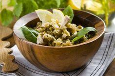 Orez cu pui si linte - Reţeta transformă lintea şi orezul într-o garnitură excelentă pentru carnea de pui bine asezonată cu lămâie, mărar şi sos de soia.