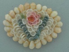 VICTORIAN HANDCRAFTED & HANDPAINTED SEA SHELL BROOCH