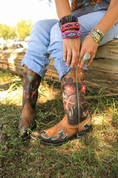 sweetheart of the rodeo boots. old gringo perfection. {junk gypsy co}