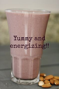 banana oatmeal smoothie recipe {via: www.simplyhappenstance.com}