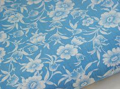 Vintage Fabric 40s Blue White Floral Daisy 35W x 56L