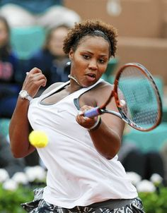 USA's Taylor Townsend in midst of her victory over France's Alize Cornet at the end of their French tennis Open second round match at the Roland Garros stadium in Paris on May 28, 2014.