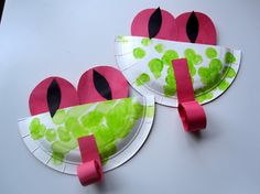 Easy Paper Plate Tree Frogs - - Pinned by #PediaStaff.  Visit ht.ly/63sNt for all our pediatric therapy pins