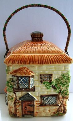 BESWICK COTTAGE WARE BISCUIT BARREL - PATTERN NUMBER 249 - WITH LID AND HANDLE.