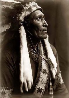 Raven Blanket: 1910 interior, nativ american, design homes, native american indians, native americans, blankets, portrait, ravens, the civil wars