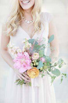 peony, ranunculus, and eucalyptus bouquet | Simply Bloom #wedding