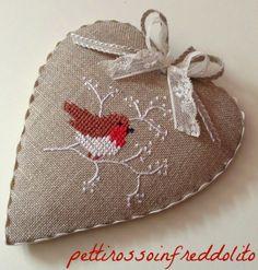 Nice finish on this heart ornament - inspiration from http://pettirossoinfreddolito.blogspot.it