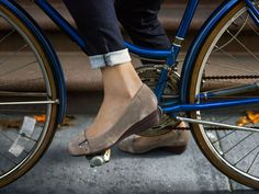 Brakes are for bikes, not you. Keep pedaling forward in the Naturalizer Macey shoe.