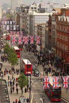 Oxford street in London, England. <3