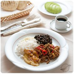 Pabellón criollo o pabellón venezolano http://amantesdelacocina.com/cocina/2014/09/pabellon-criollo/