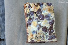 snickers magic {7 layer}bars | heathersfrenchpress.com