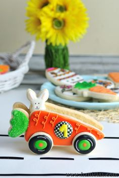 - 3D Carrot Car for Easter Cookie