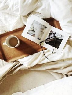 weekend in bed, coffee, reading