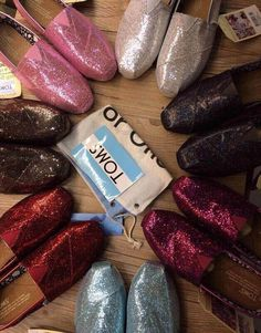 I wish I could buy every pair of TOMS SHOES! These are one pair of my favorite TOMS shoes.$17#shoes #2014 #Toms$19.99