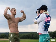Natural Bodybuilder Mischa Janiec flexes for the camera