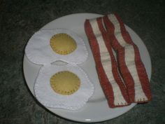 Felt Fried Eggs and Bacon | Wee Folk Art