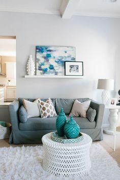 Interior Designer Jennifer Wagner Schmidt #theeverygirl #career #home #couches #grey #blue #white