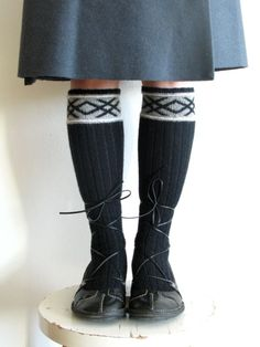 SCANDI STYLE - beautiful Finnish knitted vintage socks