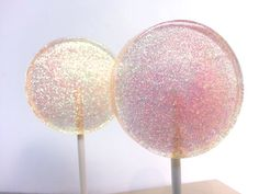 Love this idea!! Sweet and Simple!!! Champagne Wedding Favor Lollipops Peach by SweetCarolineConfect, $12.00