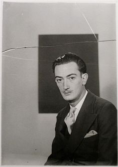 Man Ray: Salvador Dalí, Paris, circa 1929