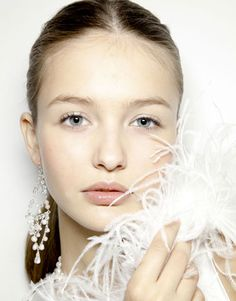 SPRING 2012 MAKEUP TRENDS!! Whit silver metallics!! love this look