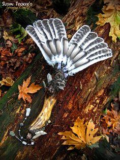 ☆ Turkey Feather Smudge Fan Pagan Altar Reiki Ritual Magic Quartz Crystals Driftwood Rustic Woodland Wild Wood :¦: Etsy Shop: SpinningCastle ☆