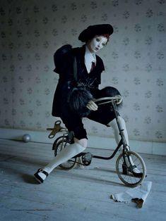 mechanical dolls-tim walker-vogue italia-october2011-10