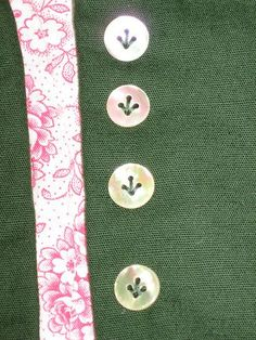 love the way the buttons are sewn.