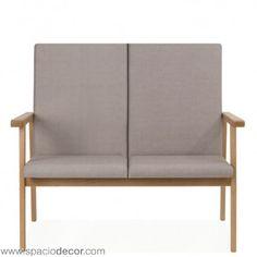 Sofa para la tercera edad de respaldo medio de la colección de geriátrico MADISON. Diseñado con los parámetros de comódidad y confort de los sillones para mayores unipersonales pero con capacidad para 2 personas para permitir compartir espacios en compañia. Disponible también en otras alturas de respaldo, puedes combinarlos con otros sillones o sofás de la colección o con cualquiera de las mesas de Senior Care.  Disponible en 40 atractivos colores diferentes.  Ref. MAD0020MB