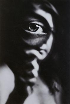 Magnif-eye by oren hayman