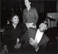 """Johnny Cash ha detto a Ray Charles: """"Hai già visto la moglie di Bocelli? No? Neanche lui"""""""
