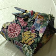 Casserole cover carrier
