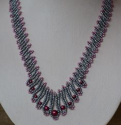 Cerise Pearls Beaded Necklace Pattern by Cecilia Rooke at Bead-Patterns.com