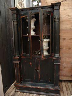 Red under black cupboard, cabinet, bookcas, antiqu furnitur