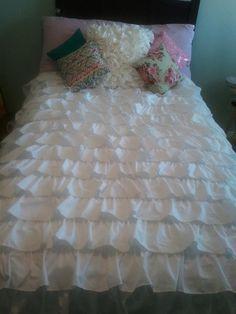 DIY Ruffle bedding tutorial  #waterfall ruffle bedding.  #Smitten By