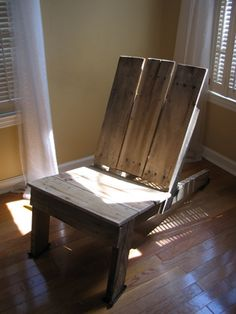 wooden chairs, adirondack chairs, garden chairs, shipping pallets, pallet craft