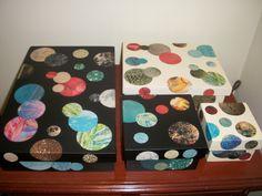 Cajas de fibrofácil decoradas con papel de revista
