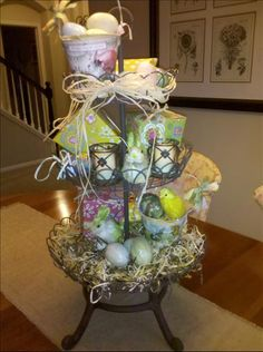 Another great Spring/Easter display with the tiered basket.    sherisuess.willowhouse.com