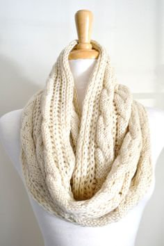 Oatmeal Creme Ivory Chunky Loose Knit Cable Pattern Infinity Loop Circle Scarf Snood Cowl Beige Women's Knit Scarves