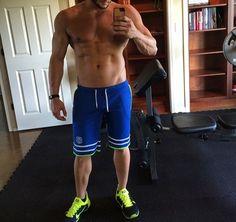 musclemen posing home GLOBALFIGHT PROFILES