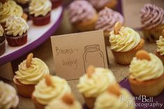 A taste of sweet summer love! Banana pudding wedding cupcakes from Cupcake DownSouth | photo credit Richard Bell Photography #weddingcupcakes #summerweddings