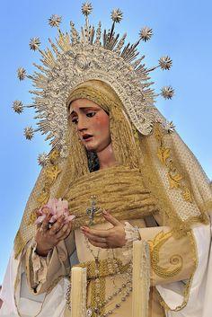 Zaragoza. Procesión extraordinaria por el año de la Fe de María Santísima de la Esperanza Trinitaria.  Spain