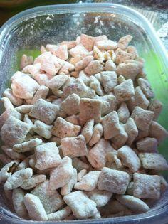 unBearablyGood: Cake Batter Puppy Chow!