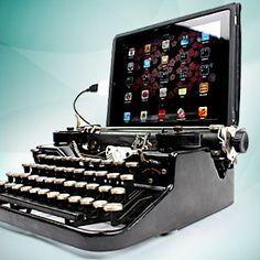 Muchos periodistas tecleamos con máquina de escribir HISPANO OLIVETTI - LEXICON 80. Este es un accesorio para iPad que nos recuerda la vieja Olivetti