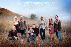 large family photo ideas | large family pose idea | Photo Ops