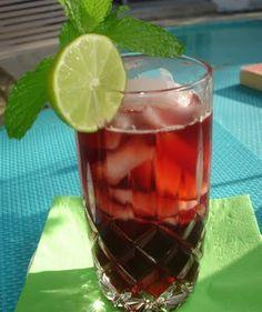 Agua de Flor de Jamaica (hibiscus tea)